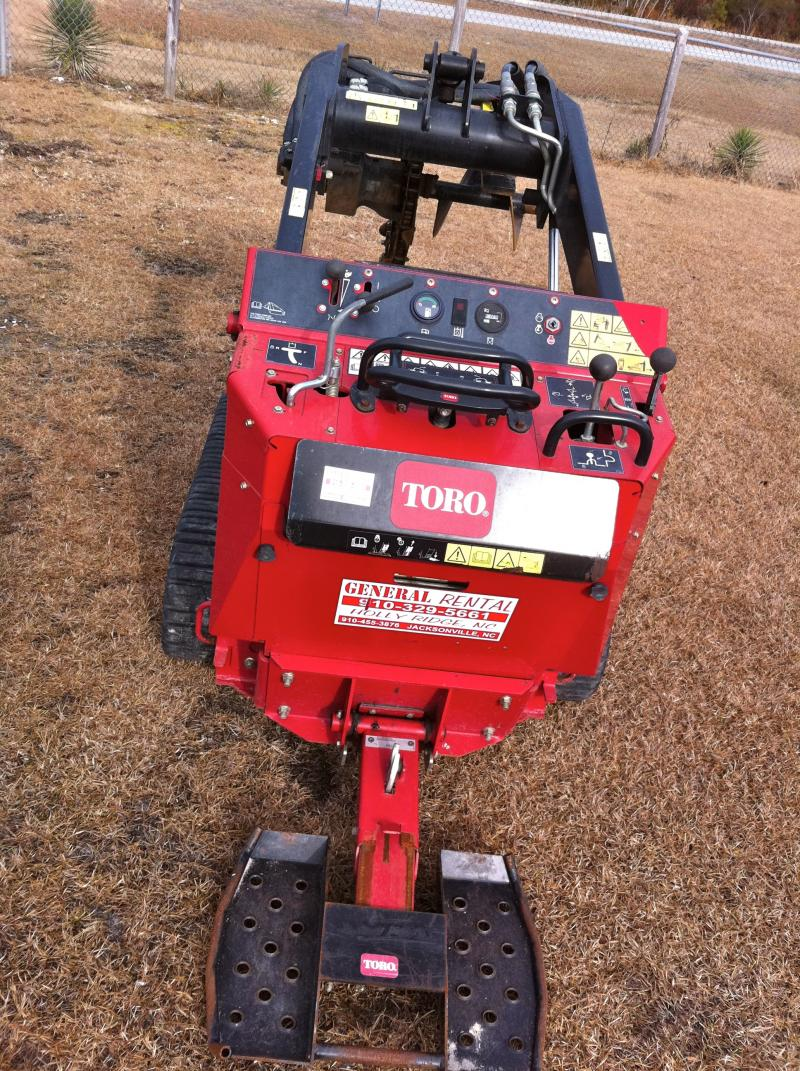 "dingo 427 w/ 6"" trencher attachment"